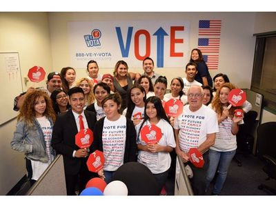 Naleo Hotline Canvassers E-Day 2014.jpg